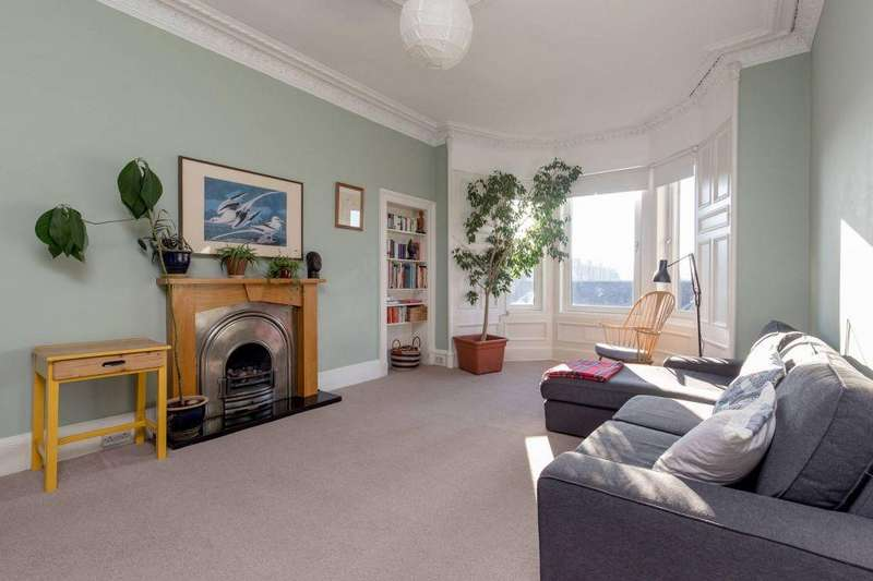 2 Bedrooms Flat for sale in 61/5 Ashley Terrace, Edinburgh, EH11 1RX