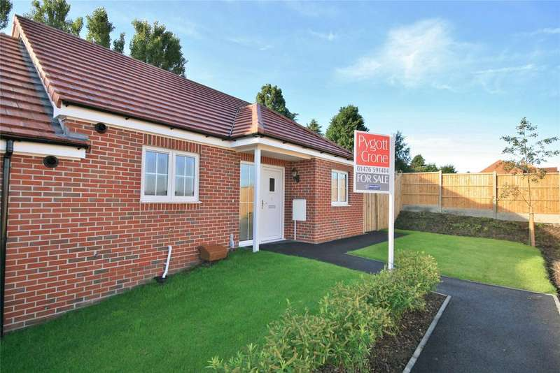 2 Bedrooms Bungalow for sale in Conisbrough Close, Grantham, NG31