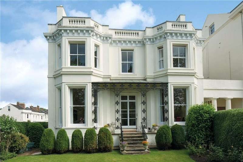 2 Bedrooms Town House for sale in Beauchamp Avenue, Leamington Spa, CV32