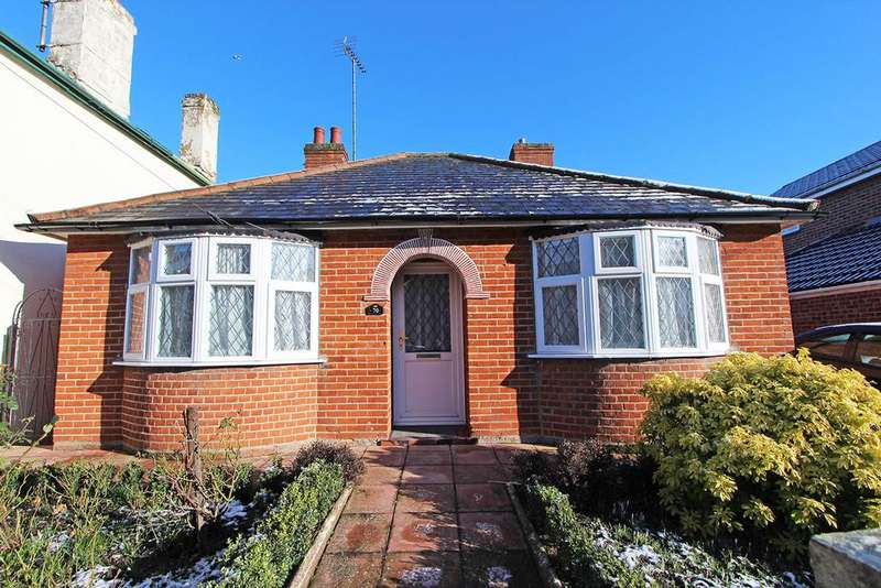 2 Bedrooms Detached Bungalow for sale in Trinity Road, Halstead CO9