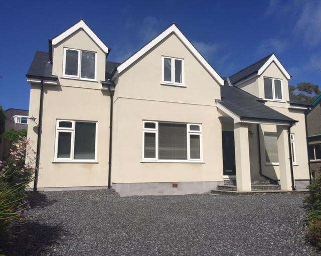 4 Bedrooms Detached House for sale in LON Y FFRWD, BANGOR LL57