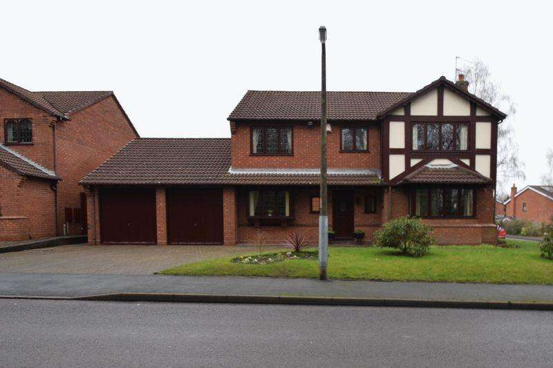 4 Bedrooms Detached House for sale in Brownshore Lane, Essington