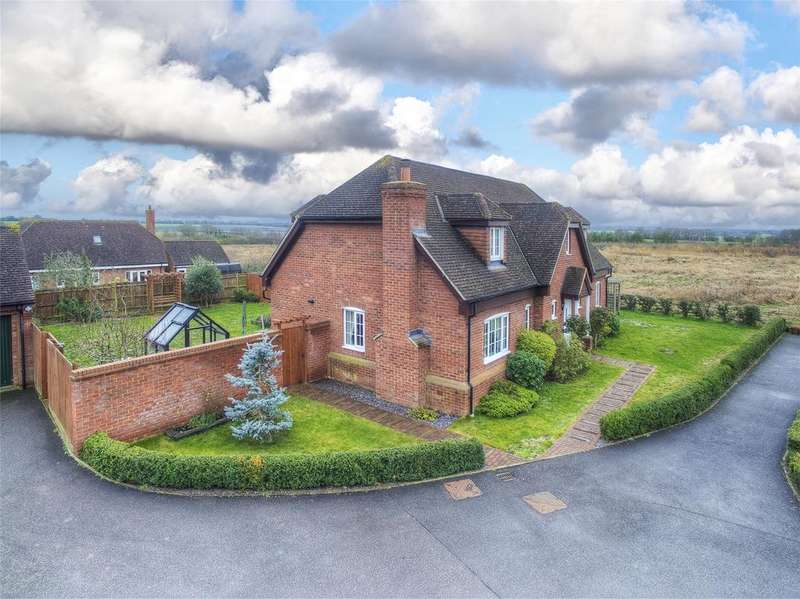 5 Bedrooms Detached House for sale in Greenhaze Lane, Great Cambourne, Cambridge