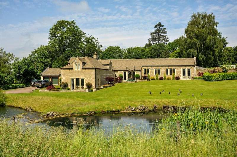 5 Bedrooms Detached House for sale in Dyrham, Wiltshire, SN14