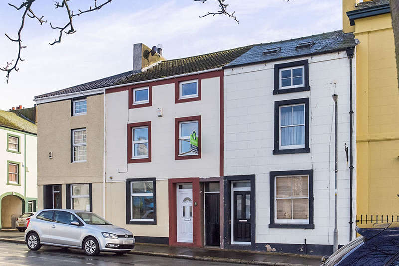 3 Bedrooms Property for sale in Fleming Square, Maryport, CA15