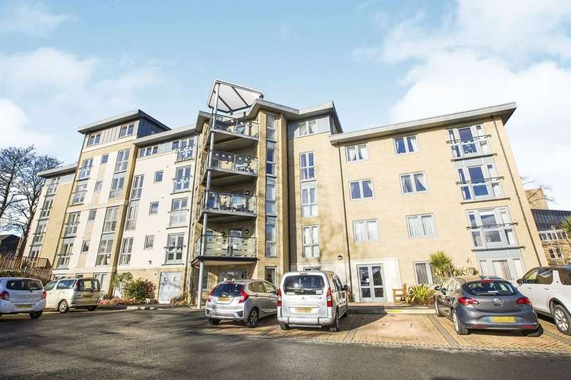 2 Bedrooms Flat for sale in Oxford Road, Halifax, HX1