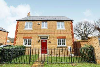 3 Bedrooms Detached House for sale in St. Neots Road, Sandy, Bedfordshire, .