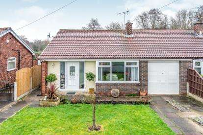 2 Bedrooms Bungalow for sale in Winfrith Road, Fearnhead, Warrington, Cheshire