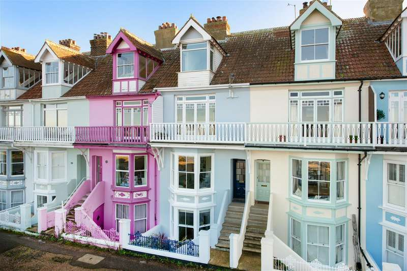 4 Bedrooms Terraced House for sale in Wave Crest, Whitstable