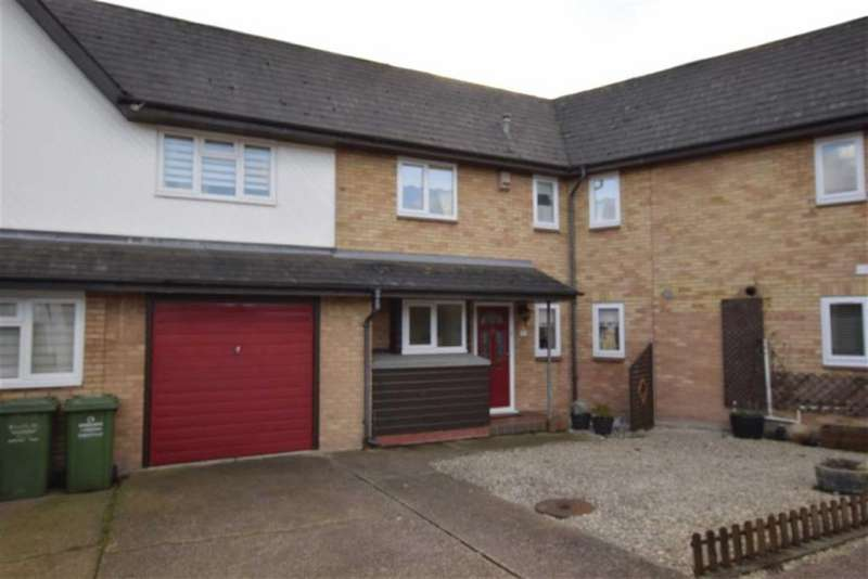 2 Bedrooms Terraced House for sale in Charleston Avenue, Basildon, Essex