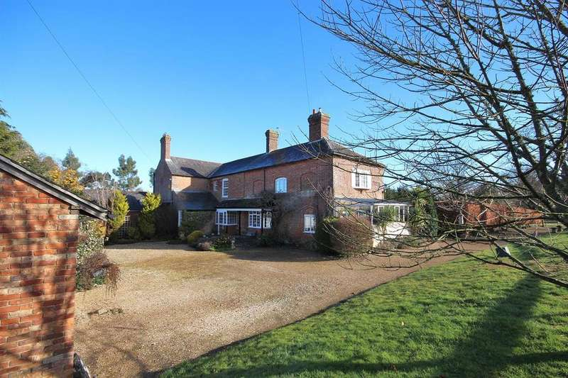 4 Bedrooms Link Detached House for sale in Moortown Drive, Canford Magna, Wimborne