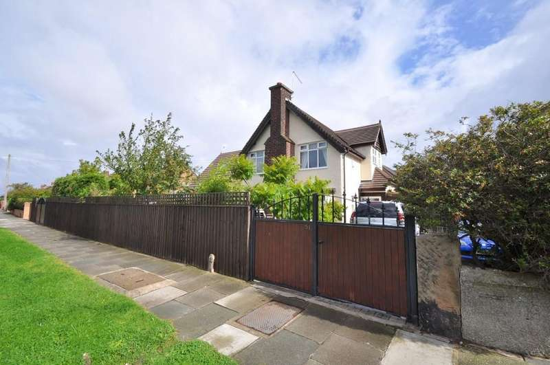 5 Bedrooms Detached House for sale in Reeds Lane, Wirral