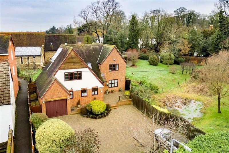 4 Bedrooms Detached House for sale in Castle Street, Ongar, Essex