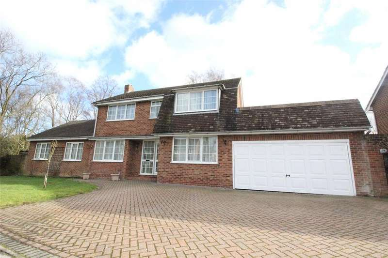 5 Bedrooms Detached House for sale in Sycamore Close, Woodley, Reading, Berkshire, RG5