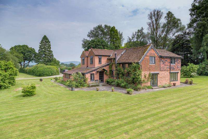 4 Bedrooms Detached House for sale in Woodmans, Bosbury, Ledbury, Herefordshire, HR8 1JX