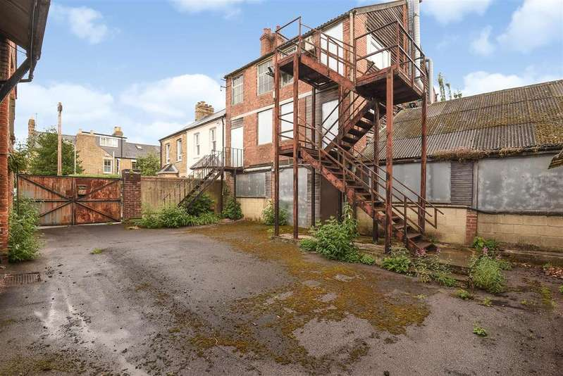 Semi Detached House for sale in Randolph Street, East Oxford