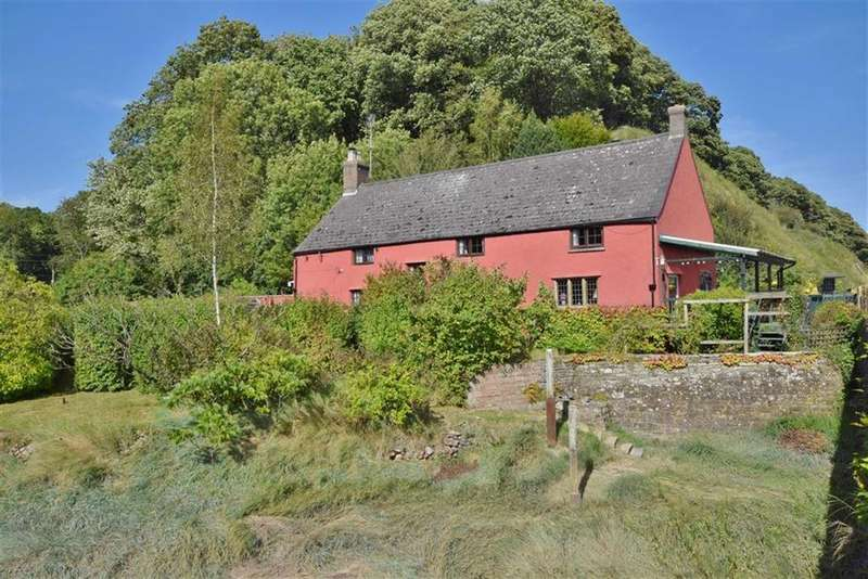4 Bedrooms Detached House for sale in Gatcombe, Gatcombe, Gloucestershire