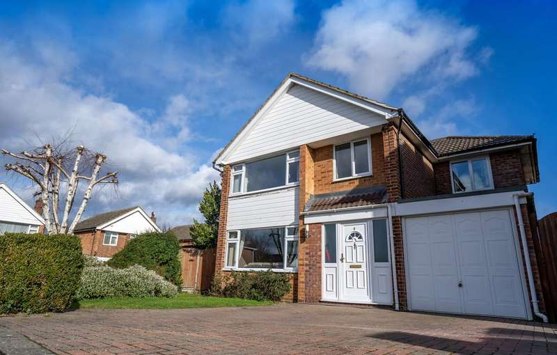 4 Bedrooms Detached House for sale in Edison Close, Braintree