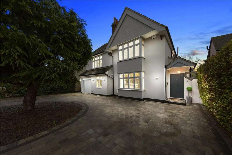 4 Bedrooms Detached House for sale in Westmoreland Avenue, Hornchurch, RM11
