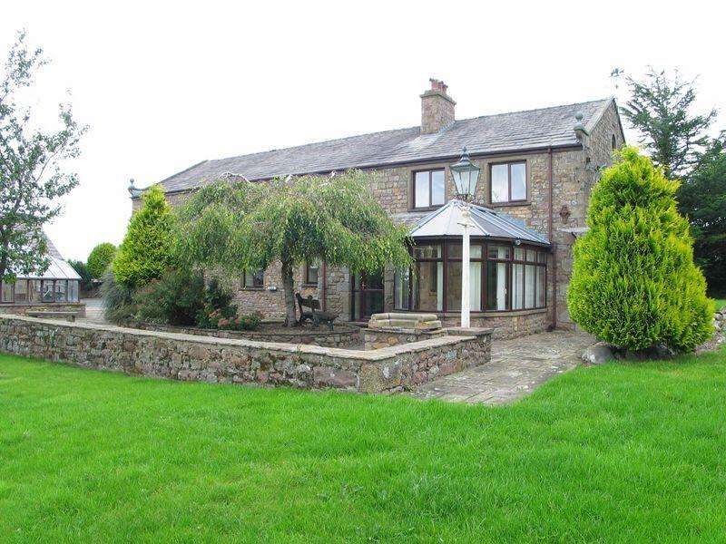 4 Bedrooms Detached House for sale in The Coach House, Burrow Heights, Lancaster LA1