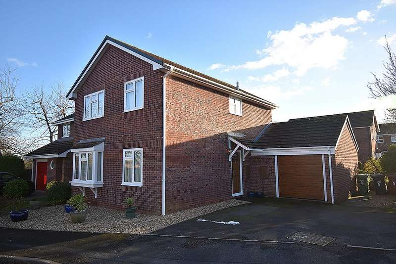 4 Bedrooms Detached House for sale in Mamhead Road, Broadmeadow, Exeter