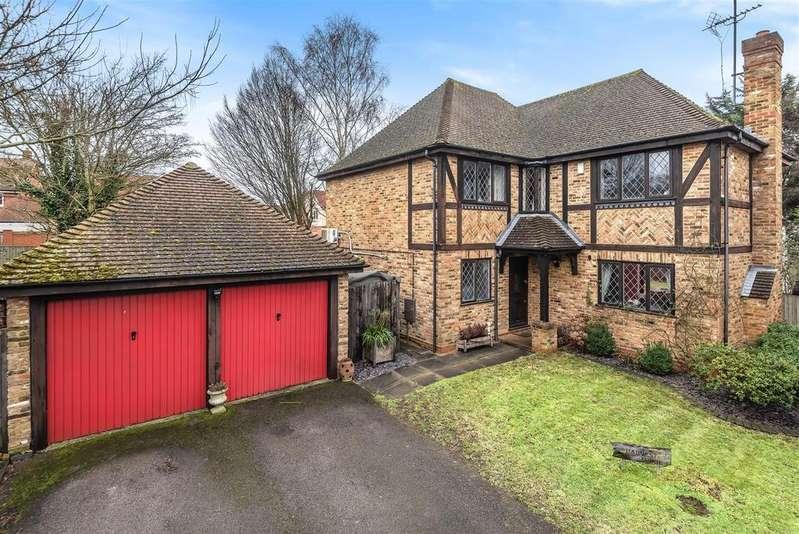 4 Bedrooms Detached House for sale in Buttercup Close, Wokingham, Berkshire RG40 1QZ