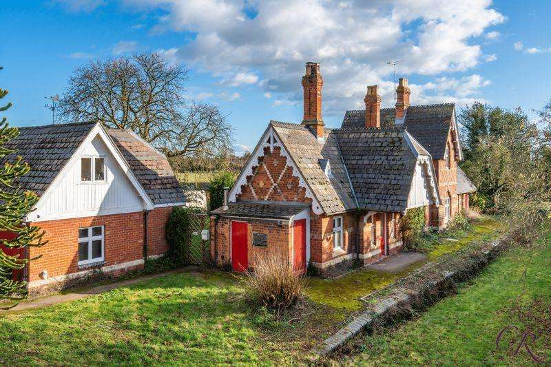 4 Bedrooms Detached House for sale in Ripple, Tewkesbury
