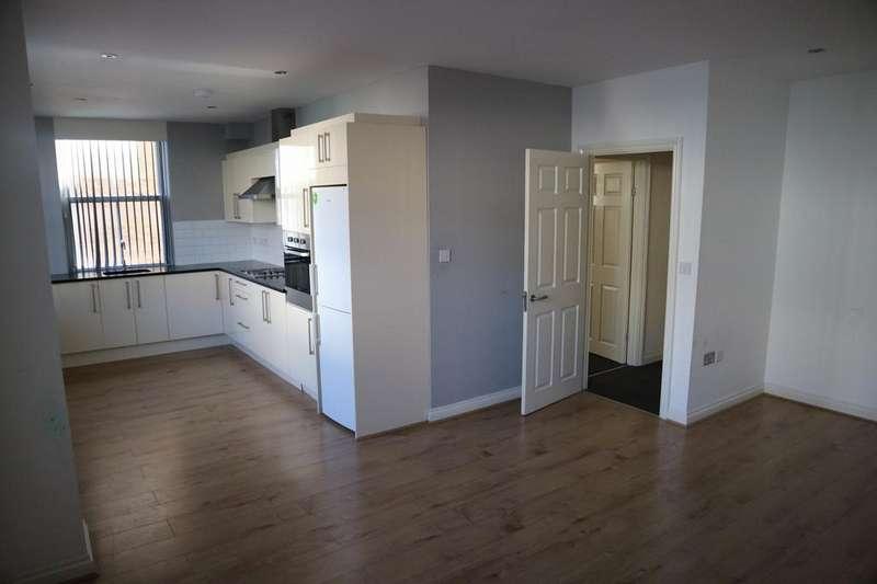 2 Bedrooms Apartment Flat for rent in Brisbane Court, Buckingham Gardens, Slough, Berkshire, SL1