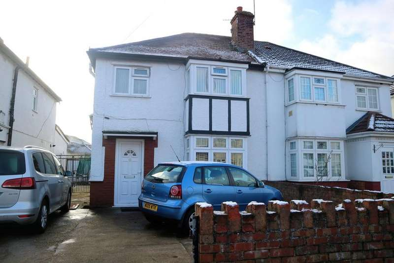 3 Bedrooms Semi Detached House for sale in Bradley Road, Slough, SL1