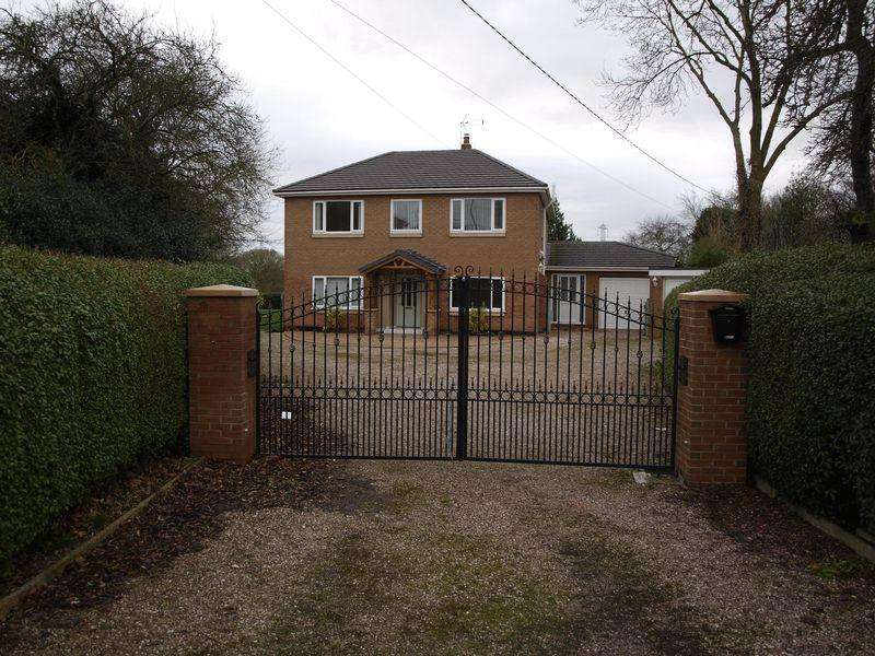 3 Bedrooms Detached House for sale in West Road, Weaverham, CW8 3HQ
