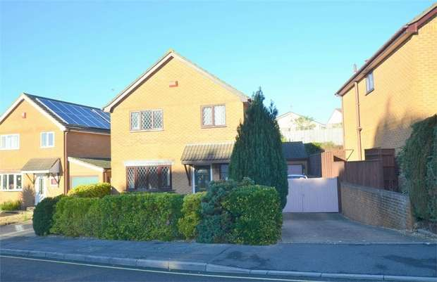 4 Bedrooms Detached House for sale in Valley View, Talbot Village, Poole