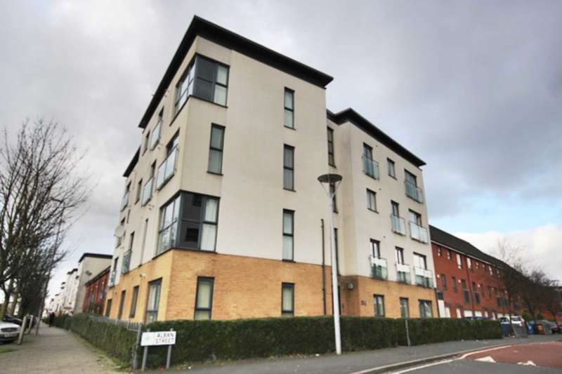 2 Bedrooms Apartment Flat for sale in Alban Street, Salford