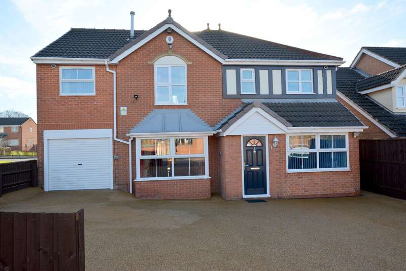 4 Bedrooms Detached House for sale in Parkhouse Close, Clay Cross, Chesterfield, S45 9RF