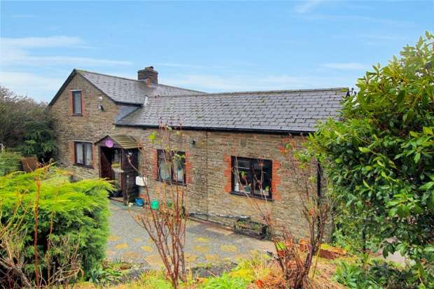 4 Bedrooms Cottage House for sale in The School Road, Kington, Herefordshire, HR5 3PE