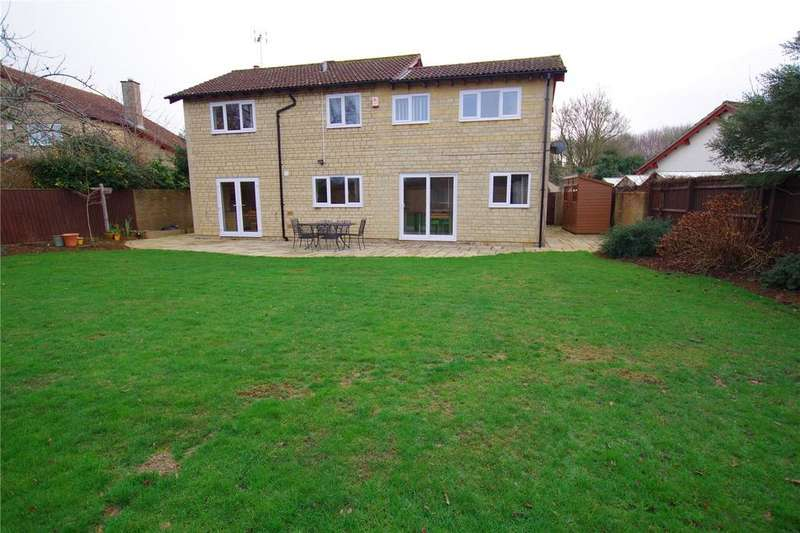 4 Bedrooms Detached House for sale in Vanbrugh Gate, Broome Manor, Swindon, Wiltshire, SN3