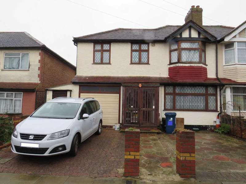 4 Bedrooms Semi Detached House for sale in Torrington Road, Perivale, Middlesex UB6