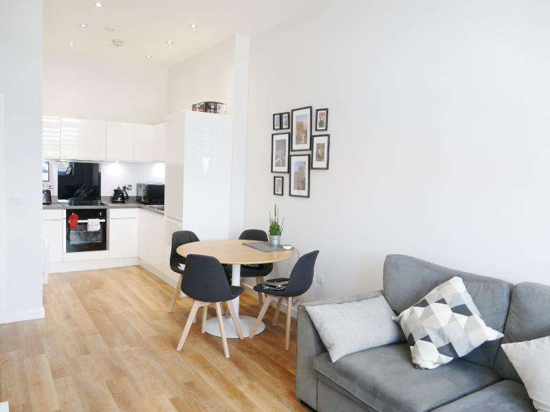 1 Bedroom Flat for sale in TATE HOUSE, 5-7 NEW YORK ROAD, LEEDS, LS2 7QW