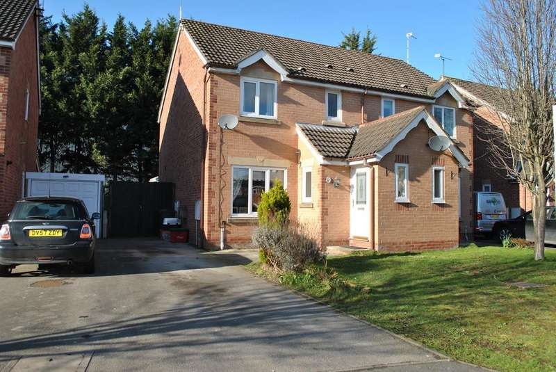 3 Bedrooms Semi Detached House for sale in Stirling Close, Winsford