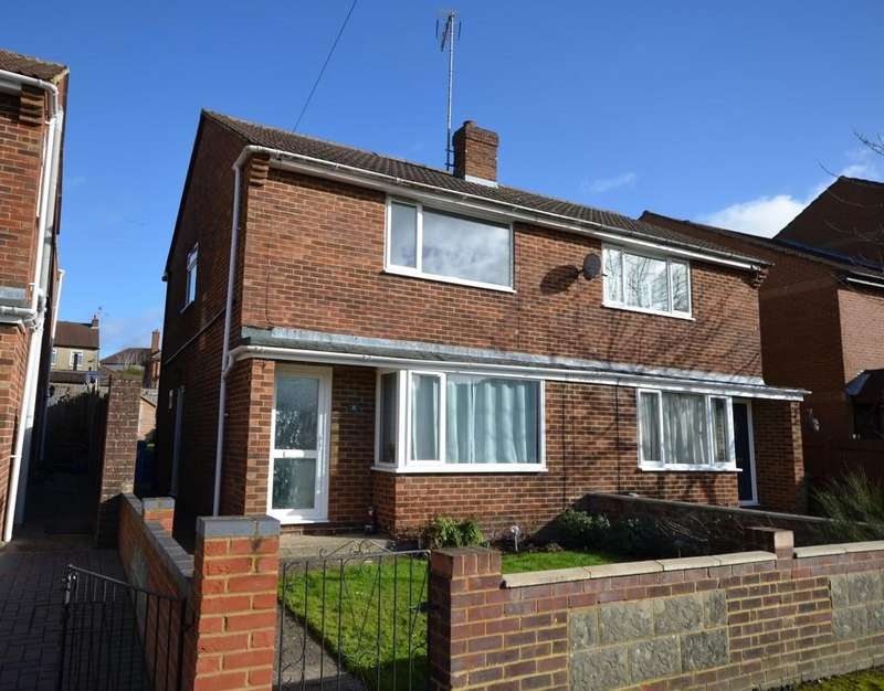 3 Bedrooms Semi Detached House for sale in Newport Road, Aldershot