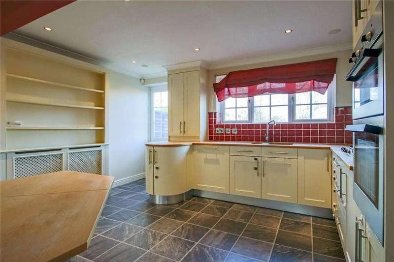 3 Bedrooms Terraced House for sale in Pendine Place, Bracknell, Berkshire, RG12