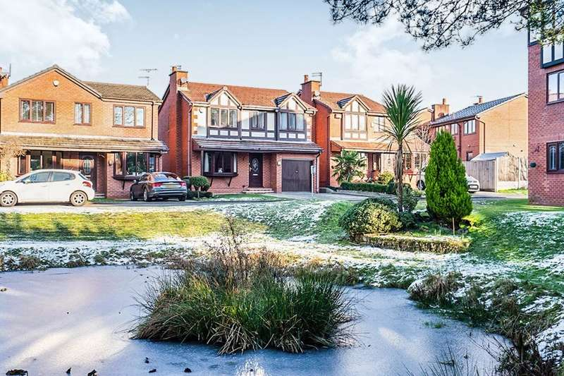 4 Bedrooms Detached House for sale in Daccamill Drive, Swinton, Manchester, M27