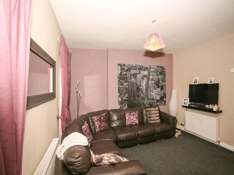 2 Bedrooms Flat for sale in High Street, Lockerbie, DG11