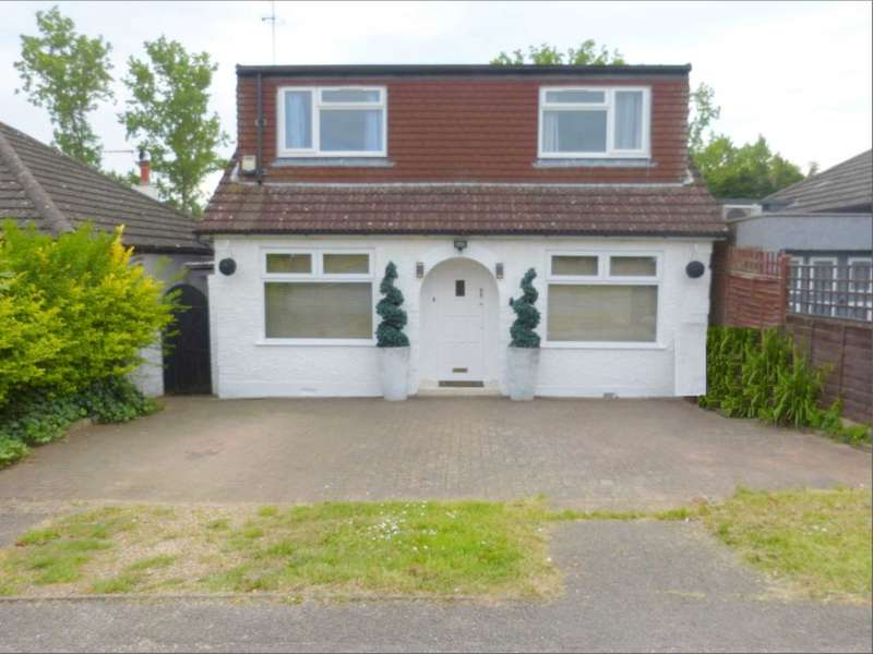 4 Bedrooms Detached House for sale in Alexandra Road, Borehamwood
