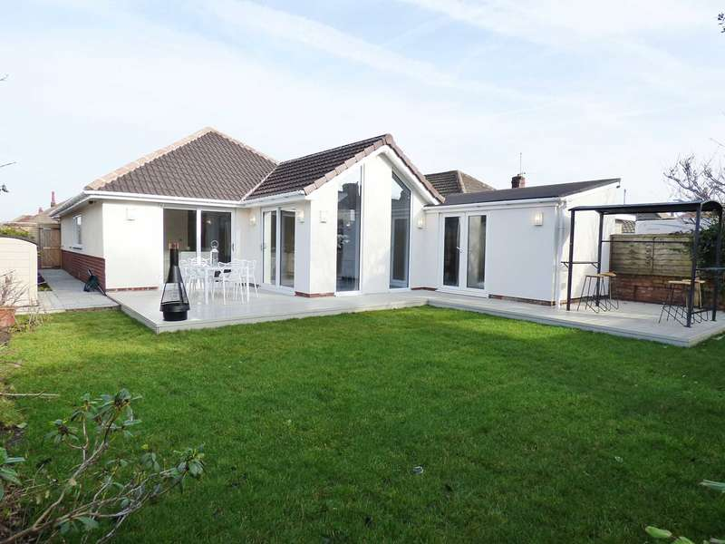 3 Bedrooms Detached Bungalow for sale in Grenville Avenue, St Annes
