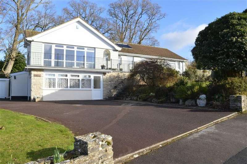 3 Bedrooms Detached Bungalow for sale in Boundary Drive, Wimborne, Dorset
