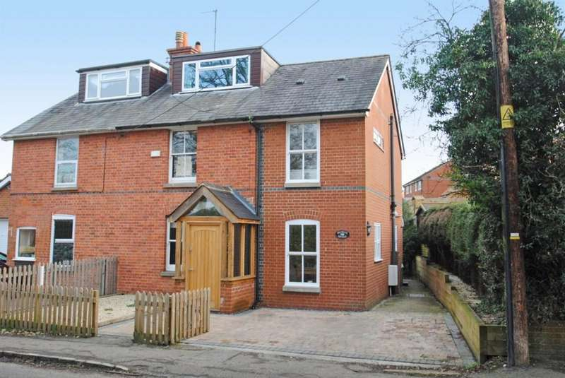 3 Bedrooms Semi Detached House for sale in Whitehouse Road, Woodcote
