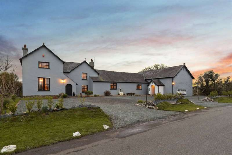 7 Bedrooms Detached House for sale in Golden Plover, Warren, Castlemartin, Pembroke