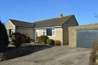 3 Bedrooms Bungalow for sale in South Petherton, Somerset