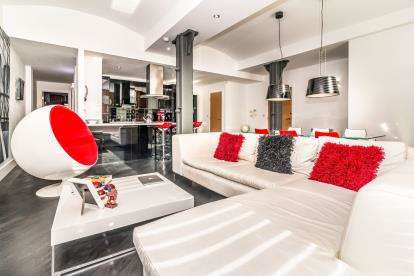 2 Bedrooms Flat for sale in Cambridge Street, Manchester, Greater Manchester