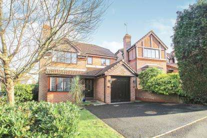 4 Bedrooms Detached House for sale in Medway Close, Wilmslow, Cheshire, .